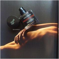 Наконец полноценный флакон горько-зеленого древесного зелья: French Lover Editions De Parfums Frederic Malle   #eaudemode#edpfm#fredericmalle#editiondeparfumsfredericmalle#perfume#niche#nicheperfume#perfumeblog#perfumeblogger#parfum#parfüm#בושם#духи#парфем#άρωμα#profumo#duft#sotd#moscow#kyiv#ukraine#москва#киев#парфюмерия#духи#fragrance#нишеваяпарфюмерия#perfumereview#instaperfume#vscoperfume
