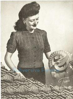 Ladies TUNIC DRESS STRIPE SCARF HAT LEGWARMERS KNITTING PATTERN DK 32-40in 574