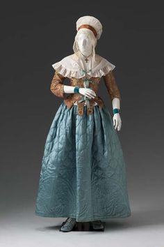Caraco & Quilted Petticoat c.1780 & c.1770-1780 Mint Museum
