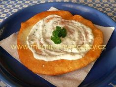 Hummus, Toast, Pizza, Ethnic Recipes, Food, Essen, Meals, Yemek, Eten