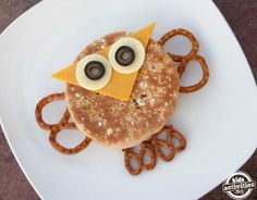 Want to make a really cute, really Easy Owl Sandwich without any special tools? We love our cute sandwiches around here and we have the cookie cutters and sandwich shapers to prove it.  We also really love owls and wanted to design an owl that doesn't need extra shaped cutters and fancy add-ons to make it happen. …