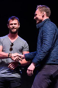 Tom Hiddleston and Chris Hemsworth at Day 3 of Wizard World Comic Con Philadelphia 2016 held at Pennsylvania Convention Center on June 4, 2016 in Philadelphia, Pennsylvania. Full size image: http://ww3.sinaimg.cn/large/6e14d388gw1f4oyestok5j212c0y24hd.jpg