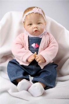 Check out our selection of Ashton Drake dolls for sale, which is one of our most popular collectible doll lines. We also have several collectible bears. Newborn Baby Dolls, Reborn Baby Girl, Reborn Babies, Baby Girls, Life Like Baby Dolls, Life Like Babies, Cute Babies, Ashton Drake, Middleton Dolls