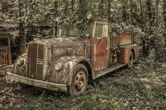 Old fire truck?