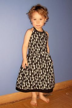 halter top sundress tutorial. would be super cute with a petticoat underneath for super twirling