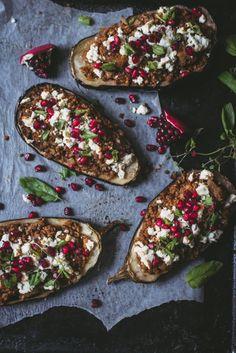 Libanonilaiset linsseillä täytetyt munakoisot (GF) – Viimeistä murua myöten Plant Based Diet, Gluten Free Recipes, Vegetable Pizza, Feta, Food And Drink, Veggies, Recipe Ideas, Dinner Ideas