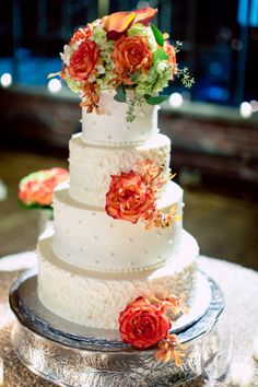 Summerour Studio Wedding Cake by #GabrielsDesserts. ::Brittney + Jared's elegant fall wedding at the Cathedral of Christ the King and Summerour Studio in Atlanta, Georgia:: #weddingcake #cakeideas #gorgeouscakes #weddingphotography #GAcakes #atlantaweddings #fallweddingcake #fallwedding