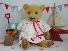 Shelby loves to be beside the Sea! A 1930s Chad Magna bear  www.onceuponatimebears.co.uk