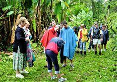 Visite d'une bananeraie écologique tenue par un canadien  Mr Dubois  2003 au Costa Rica