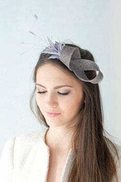 Beaded hat feathers fascinator by BeChicAccessories - - Facinator Hats, Sinamay Hats, Headpieces, Fascinators, Fancy Hats, Wedding Hats, Diy Hair Accessories, Hat Hairstyles, Hair Bows