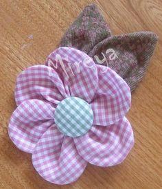 """Tuto fleur / Tutorial flor  """"Voici un tuto en image de la fleur du sac rouge """"Amandine"""" j'espère qu'il est assez clair, mais si c'est p - Accessoires pour cheveux, Tutoriels - Tuto fleur pour barrette"""