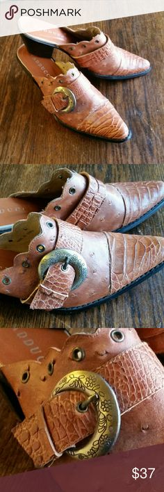 """Vaducci Boho Cowgirl Mules / Size 8 / 2"""" Heel Vaducci Cowgirl Mules / Shoes / Size 8 / 2"""" Heel Ostrich leather look.  Barely worn. Great w/ jeans. Vaducci  Shoes Mules & Clogs"""
