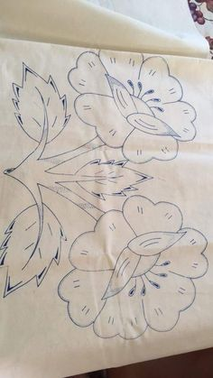 Border Embroidery Designs, Embroidery Flowers Pattern, Applique Patterns, Machine Embroidery Designs, Embroidery Stitches, Paper Flowers Craft, Fabric Flowers, Flower Sketch Pencil, Motifs D'appliques