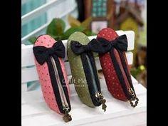 sapatinhos em tecido e porta-lapis em formato de sapato