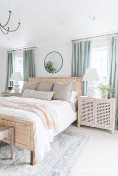 Master Bedroom Design, Dream Bedroom, Home Bedroom, Beach Bedroom Decor, Apartment Decoration, Home Interior, Interior Design Masters, Beautiful Bedrooms, Home Decor Inspiration