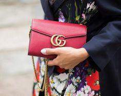Conoce el eficaz truco que hacen las celebridades para renovar sus bolsas en www.harpersbazaar.mx. #BazaarMx #HarpersBazaarMx #ThinkingFashion  via HARPER'S BAZAAR MEXICO MAGAZINE OFFICIAL INSTAGRAM - Fashion Campaigns  Haute Couture  Advertising  Editorial Photography  Magazine Cover Designs  Supermodels  Runway Models