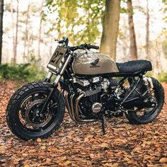 As promised here's more of the latest breathtaking Honda dohc by Shot by Honda Scrambler, Cafe Racer Honda, Cb 750 Cafe Racer, Honda Cbx, Motos Honda, Cafe Racers, Cafe Racer Bikes, Cafe Racer Motorcycle, Honda Motorcycles