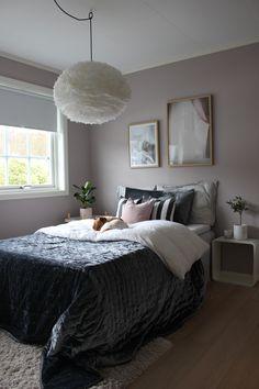 Soverom jente Girls Bedroom, Comforters, Blanket, Furniture, Home Decor, Bedrooms, Paint, Rome, Blankets