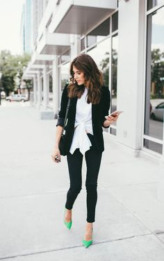awesome 34 Stylish and Cute Blazer Outfits Women 2020 16 Blazer Outfits For Women, Blazers For Women, Women Blazer, Stylish Outfits, Cute Outfits, Fashion Outfits, Work Outfits, Womens Fashion, Photomontage