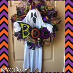 Halloween Ghost Wreath | Ghost Prop |Ghost Decoration | Halloween Decoration | Trick Or Treat Decor | Halloween Prop | All Hallows Eve | Boo  ***Ready To Ship*** Bring scary fun to your door this Halloween! Bootiful ghost wreath is made with a black deco mesh base, accented with Halloween