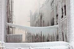 Spectacular Photos Of A Burning Chicago Warehouse Encased In Ice