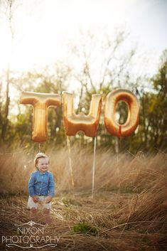 Second Birthday | Balloons | Photo Props | Kids Fashion | Dayton Ohio Baby Photographer | Nixon Photography | Letter Balloons | Gold Balloons