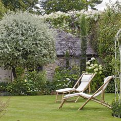 Garden | Cotswolds cottage | House Tour | PHOTO GALLERY | 25 Beautiful Homes | Housetohome.co.uk