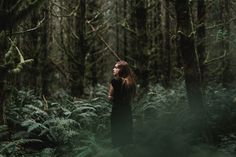 Nature photoshoot ideas forests dreams 43 ideas for 2019 Shooting Couple, Shooting Photo, Forest Photography, Portrait Photography, Dark Forest, Photoshoot Inspiration, Photoshoot Ideas, Senior Pictures, Instagram