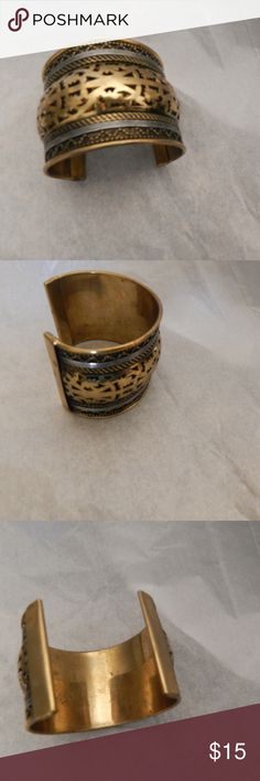 Vintage Brass Cuff Style Bracelet. Great detail. Soild vintage brass cuff style bracelet. Great detail design. Bold fashion statement. Great piece too add too any jewelry collection. Fash Shipping and a bonus gift with purchase. Thanks for stopping by. Jewelry Bracelets