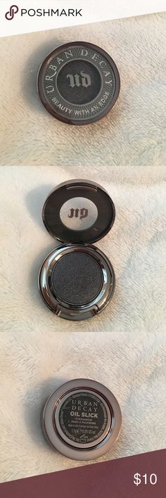 Urban Decay eyeshadow Shade: Oil slick. This had been used only once! In perfect condition :) Bundle this to save $$$ Urban Decay Makeup Eyeshadow