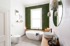 21 Natural Impression for Your Home Decoration with Moss Wall An amazing bathroom design wit… - Modern The Block Nz, The Block Glasshouse, Küchen Design, Interior Design, Design Trends, Moss Wall Art, Upstairs Bathrooms, Eco Friendly House, Glass House