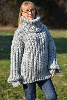 Pull en laine en laine en jersey trapu fait main à la main | Etsy Gros Pull Long, Pull Mohair, Jumper, Turtle Neck, Etsy, Wool, Sweaters, Nice, Fashion