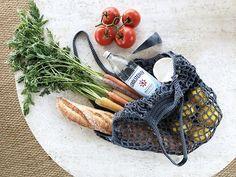 Ravelry: French Market Bag pattern by Alexandra Tavel Crochet Market Bag, Crochet Tote, Free Crochet, Bag Patterns, Crochet Patterns, Yarn Bag, Net Bag, Unique Crochet, Lion Brand Yarn