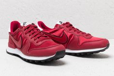 watch 9c8e2 31ed5 Nike Womens Internationalist   Heat Red Crush  Red Cruhs-White    124