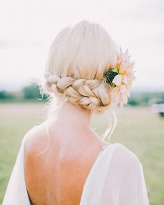 How pretty are these upside down milkmaid braids?