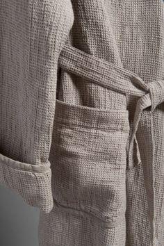 Custom sewing for men. 100% linen bathrobe wrapper by LinenSPA