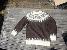 Made with Lopapeysa Icelandic yarn.