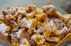 Kaiserschmarrn by on www. Hungarian Recipes, Italian Pasta, Spaghetti Recipes, Chicken Wings, Macaroni And Cheese, French Toast, Deserts, Food And Drink, Sweets