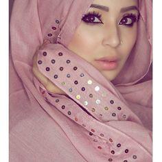 "FATIHA ROUF on Instagram: ""Scarf from @arabianstyleuk beautiful, simple and warm! Lashes in Laila #hijabista #hijabiqueen #hijabinstan #hijabinspiration #hijabinspired #hijabilookbook #hijabifashion #hijabistyle #makeupjunkie #makeupbyme #makeupoftheday #makeupgeek #makeupdolls #makeuptutorial #makeuplook #makeupblogger #beautyblogger #beautycare #beautyblog #beautyaddict #fatihasworld #bengals"""