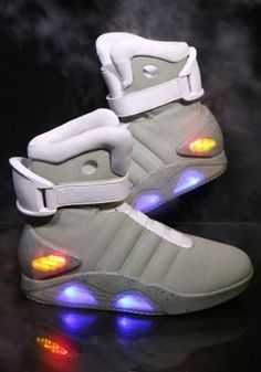 the best attitude 7924c a1818 Details about Back To The Future II Men s Size 9 Marty McFly Futuristic  Light Up Sneakers