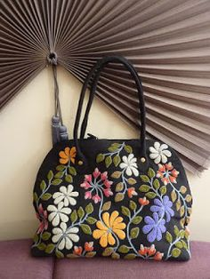 it is actually needle punch I LOVE bold colors on blk backing this is stunning – Candle Making Punch Needle Patterns, Wallet Pattern, Penny Rugs, Purse Styles, Fabric Bags, Wool Applique, Aluminum Foil Art, Weekender, Ribbon Embroidery