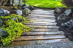 Funky Junk Interiors: Pallet wood walkway all prettied up again