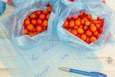 Roșii la congelator pentru iarnă   Bucate Aromate Strawberry, Vegan, Fruit, Food, Canning, Essen, Strawberry Fruit, Meals, Vegans