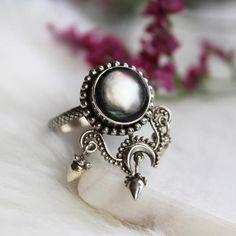 Shop Dixi Boho Ring   Vena Amoris Black Pearl Boho Ring