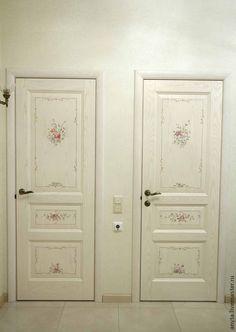 Vintage Shabby Chic, Shabby Chic Style, Shabby Chic Decor, Painted Interior Doors, Painted Doors, Antique Doors, Old Doors, Shabby Chic Interiors, Shabby Chic Furniture
