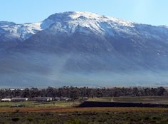 Snow on the mountains of the Hex River Valley, Western Cape, South Africa Snow Mountain, African Style, Photo Library, South Africa, Cape, Places To Go, Southern, Beef, River