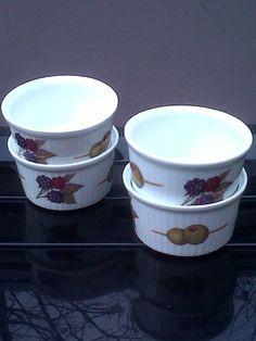 Marvelous Royal Worcester Fine Porcelain Evesham Ramekins. #RoyalWorcester  #FinePorcelain #Evesham #Ramekins