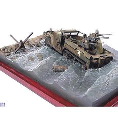 Diorama Military!! Unknown modeler From: Pinterest #scalemodel #plastimodelismo #miniatura #miniature #miniatur #hobby #diorama #humvee #scalemodelkit #plastickits #usinadoskits #udk #maqueta #maquette #modelismo #modelism