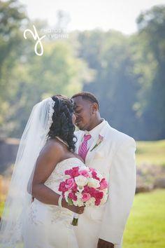 http://photosbyyvonne.net/  Photos by Yvonne: Toledo OH Wedding Photographer. Design by Bartz Viviano