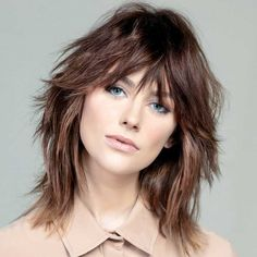 Wavy Layered Haircuts, Layered Haircuts Shoulder Length, Blonde Layered Hair, Short Shaggy Haircuts, Shaggy Long Hair, Short Shag Hairstyles, Modern Shag Haircut, Shaggy Bob, Curly Afro Hair